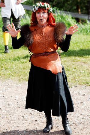 Kim Anderzon i Flykten till Ravundbergen, sommaren 2012 i Döda fallet.