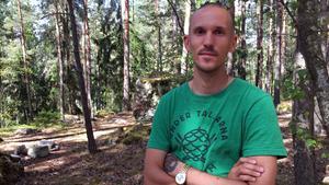 """Sommaren 2016 skapade konstnären Ruben Wätte samt barn och vuxna från Råby lekvärden  """"Dungen"""" i Råbyskogen."""