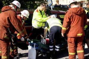 Två personer skadades i samband med en trafikolycka i centrala Söråker.  Olyckan inträffade vid 09:30-tiden.