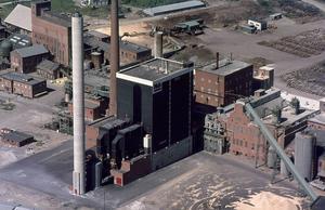 Köpmanholmens fabrik i en bild från 1970-talet.