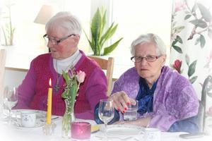 Hilda Taflin och Anna Åström.   En riktigt trevlig tillställning tyckte de.