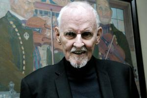 Bengt Axell som spelade huvudrollen i Spelmannen kunde inte ta en ton på fiol. Men efter filmens premiär var det massor av folk som ringde till honom och ville att han skulle komma och spela, berättar Björn Berge.