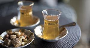 Nötter och turkiskt te på Blue Hamam.