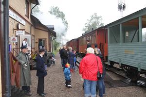 Stationen i Jädraås levde upp.