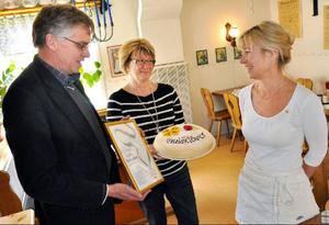 Eva Peedu hyllades av Per Åsling och Ingrid Kjelssson.