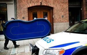 I slutet av oktober 2012 stormade spelklubben på Storgatan i Sundsvall av ett 30-tal poliser.
