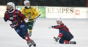Niklas Eriksson dundrade in 1-0 i början av matchen mot Ljusdal. Men sedan tog det roliga slut för Katrineholms skyttekung.