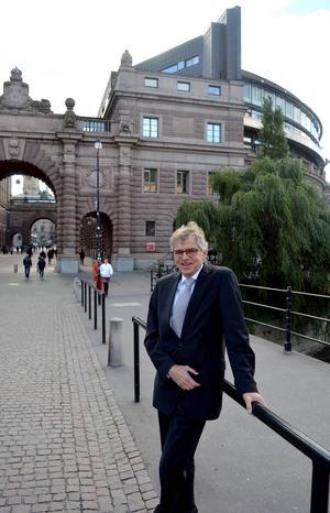 Per Åsling (C) är den av dagens riksdagsledamöter från länet som har suttit längst tid på sitt mandat. Han har nyligen börjat sin tredje period. En sak är ny även för honom – nu får han sitta i opposition.