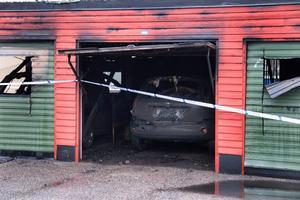 Eldhärjat garage.
