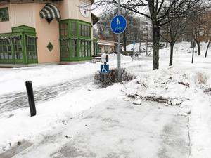 Skottad handikapparkering på Frödings väg.