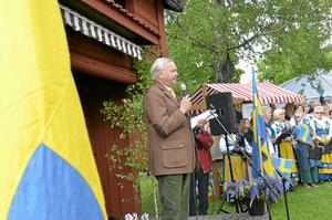 Nationaldagsreflektioner. Carl-Jan Granqvist tyckte att vi i vår alltmer globaliserade värld inte skulle glömma bort de nära relationerna. Tillhörighet skapar en trygghet, sa han.