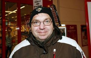 Hans-Erik Karlsson, 44 år, Söder, jobbar på Leaf:– Ett presentkort där vi kan välja mellan olika produkter.