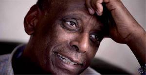 Hjärtläkaren Fikru Maru hade suttit fängslad i fyra år när han nyligen frikändes i högre instans. Men det är trots det oklart när han kommer att friges av etiopiska myndigheter.