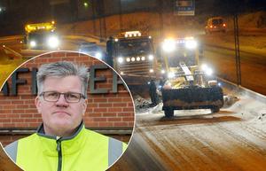 Det gäller att ta det lugnt på vägarna när plogbilarna är ute. Foto: Helena Wrete och Johan Nilsson/ TT