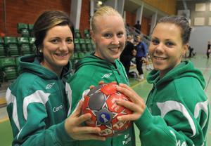Caroline Olsson, målvakten Jennie Wallström och Amanda Larsson är tre tjejer som måste lyckas om Alfta ska fixa ett nytt kontrakt i tvåan.