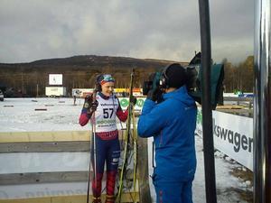 Intervjuas av SVT efter genombrottet i seniorsammanhang i Sverigepremiären i Bruksvallarna 2011. 18:åriga Nilsson blev 21:a i 10 km fristil.