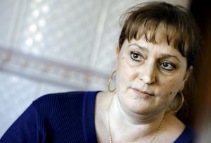 Kamp på liv och död. Liese-Lotte Jäger menar att hon överlevde cancern i äggstockarna tack vare gynonkologiska klinikens skickliga läkare. Hon har gått igenom operation, cellgifter och hormonbehandlingar. BILD: kicki nilsson