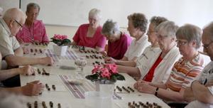 Ibland spelar de bingo på Mötesplatsen. Foto: Mikael Stenkvist