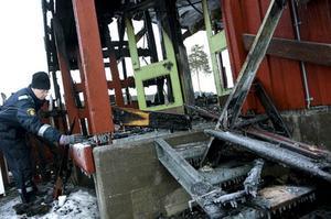 Branden har inte uppstått på naturlig väg, enligt polisen.