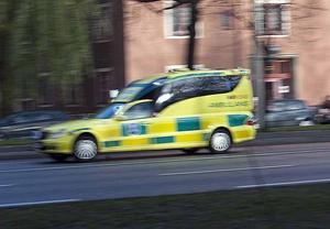 Ambulansen på bilden har inget med händelsen att göra.