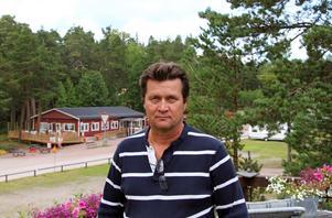 – Vi tycker naturligtvis att det är jättetråkigt! Det finns andra ställen bygga på, säger Kaj Stefanius som driver campingen i Engesberg.