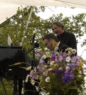 Samspel. Mikael Samuelsson tillsammans med pianisten Lennart Simonsson. Foto:KarinJanson