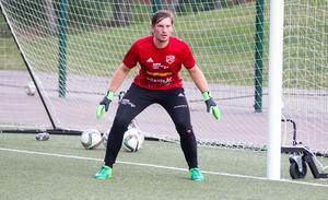 Adrian Forsgren är tillbaka mellan stolparna i Sala FF.