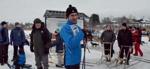 Mikael Alriksson har åkt mycket långfärdsskridskor på senare år. Förr i tiden åkte han mest på hockeygrillor, spelade hockey för både Stora Skedvi och senare SSIF då Skedvi slog ihop påsarna med Säter.