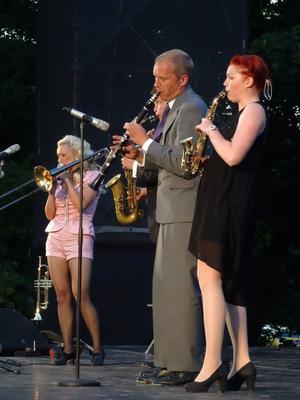 Carling family bjuder in till konsert på Sjöängen på onsdag kväll.