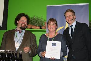 Lotta Persson från Lottaboden i Los mottog  diplom för sin blåbärssylt.