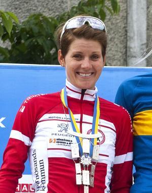 Emma Johansson tävlar för Härnösands Cykelklubb i SM, här efter årets SM i Åstorp.