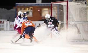 Nästa säsong är det återigen Björn Hellman som vaktar Kalix mål.