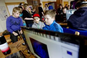 Albin Brundin, Dyar Faradi och Calle Sundbom från sexan på Vikingaskolan var uppslukade av first person shooter-spelet Unreal Tournament. Till hösten börjar även de på Källmursskolan.