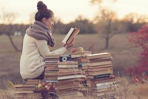 Med den här ljuva bilden marknadsför Bonniers Bokklubbar sitt nya koncept personal book shopper.