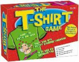 •The t-shirt gameFabrikat: TacticAntal spelare: 3+Ålder: 12Spelidé: Para ihop slogans med bilder på t-shirts. Försök få till den roligaste kombinationen för att få domaren att välja just ditt förslag.Kommentarer: Bitvis roligt men enformigt i längden. Det borde finnas fler slogankort för att hålla i längden. Lämpar sig bäst för en yngre grupp spelare. Känns också lite billigt med tunna, sladdriga spelkort.Betyg: 2