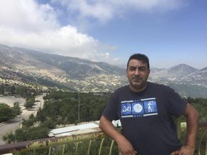 Ali Chaito tycker att det är bra att Hizbollah försvarat Libanon mot Israel. Men han är inte lika förtjust över rörelsens inblandning i Syrienkriget.
