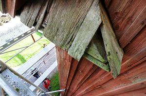 Ruttna bräder kommer att bytas ut på Renshammar under restaureringen.