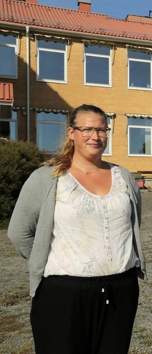 Petra Ödling tycker att den trångbodhet för skolor och förskolor som uppstått i  Kramfos kommun gör att Torromsskolan borde öppnas igen.