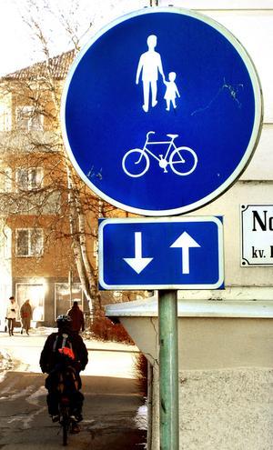 Delad plats. Var ska man gå?Foto: Yngve Fredriksson/arkiv