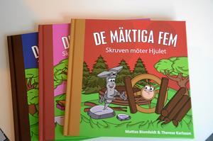 Tre av de fem böckerna i serien har getts ut nu. Resterande två släpps under 2016.