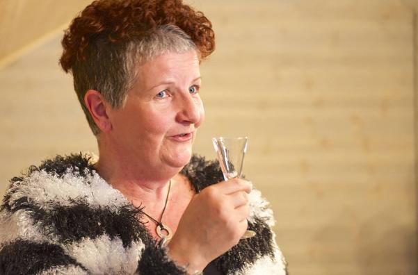 Helen Westfält, under allsången.