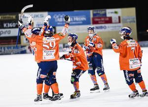 Ännu ett segerjubel på Sävstaås IP, där Bollnäs GIF har bärgat 21 av 24 möjliga poäng som elitseriens bästa hemmalag.