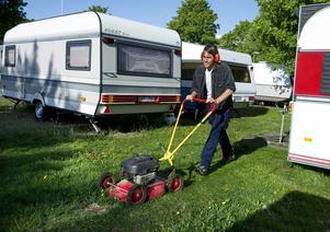 Sommarjobb. Sämre möjligheter till visstidsanställningar innebär att jobben blir färre, framhåller företrädare för campingföretag och skidanläggningar. Foto: Claudio Bresciani/TT