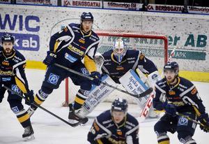 Magnus Åkerlund höll tätt i matchen mot Tingsryd.