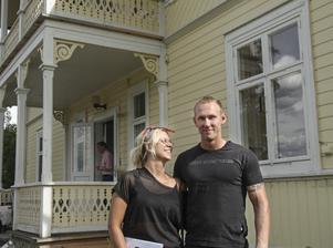 Elin Forsblom och Anders Persson är två av många spekulanter.