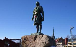 Inte en kvinna så långt ögat kan nå, från kung Gustavs utsiktspunkt i Mora. Foto:Birgit Nilses Gröndahl