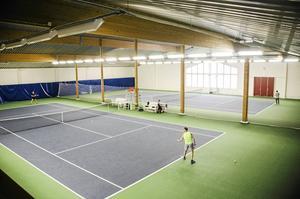 Tennishall och/eller islamiska centret?