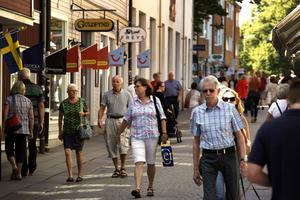 Enligt stiftelsen Tryggare Sveriges undersökningar är Norrtälje kommun tryggast i Stockholms län och bland de tryggaste i landet. Nu hävdar dock M-, L- och KD-politiker att kriminella gäng håler på att flytta hit. Men stämmer det?