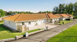 Parhuset Janne blir den vanligaste villatypen på Södra Näs i Hallstahammar. De här villorna står redan på plats i Mariestad.