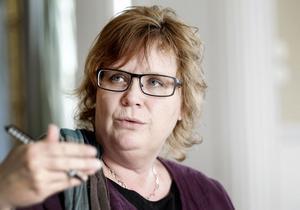 - Är man ung och utan barn ska man söka jobb över hela landet, säger Gabriella Persson Turdell på Arbetsförmedlingen.